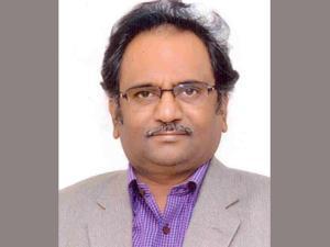 శుక్రవారం రాత్రులు అరెస్టులు తప్పే: మాడభూషి శ్రీధర్
