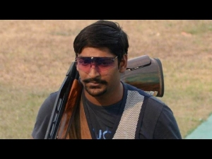 Indian Shooter Ankur Mittal Wins Silver Medal Men S Double