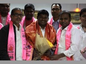 Mla Guvvala Balaraj Praises Kcr Leadership London Greet Meet