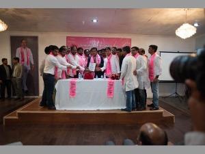 Telangana It Minister Ktr Meeting With Nri Trs Members