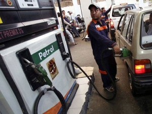 Bengaluru Firm 1st India Deliver Diesel At Home