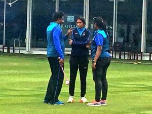 Harmanpreet Kaur Injury Sets Off Alarm Bells On The Eve India Final Against England