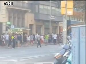 Barcelona Attack Van Rams Into Pedestrians 13 Killed