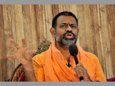 తెలంగాణ ప్రభుత్వం విజ్ఞతకే వదిలేస్తున్నా: పరిపూర్ణానందస్వామి