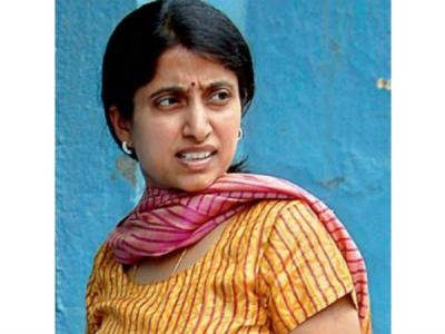 భారతిపై ఛార్జీషీట్లో ట్విస్ట్!: 'ఈడీ ఉద్యోగులు టీడీపీ బంధువ