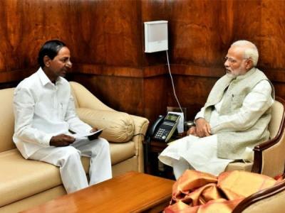 ప్రధాని మోడీతో కేసీఆర్ భేటీ: కీలక అంశాలపై చర్చ