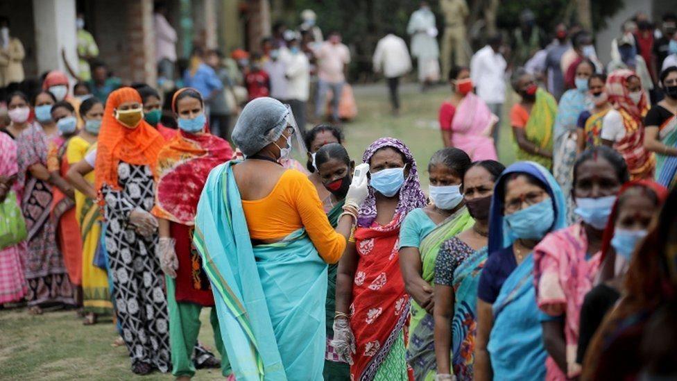 ఆక్సిజన్ కొరత: 'దిల్లీలోని ఆరు ఆస్పత్రుల్లో ఆక్సిజన్ అయిపోయింది.. మిగతాచోట్లా మరికొన్ని గంటలే వస్తుంది'